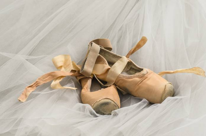 Ballet_dance_shoes